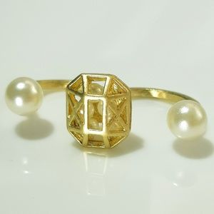 NEW Gold Tone Pearl Open Top Double Finger Ring